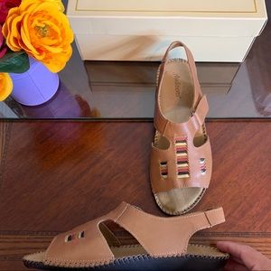 BNIB Auditions Leather XX-Wide Spirit Sandals
